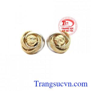 Hoa tai Italy vàng 10k là sản phẩm nhập nguyên chiếc, được chế tác tinh xảo, sắc nét,