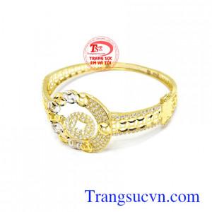 Vòng tay kim tiền đẹp chế tác theo công nghệ cao cấp Italy phù hợp phong cách thời trang, sang trọng và đẳng cấp