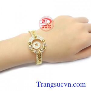 Vòng tay vàng 10k phù hợp làm món quà ý nghĩa dành tặng người bạn yêu thương