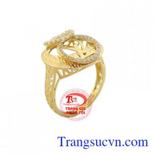 Nhẫn nữ LV tròn vàng 10k được chế tác tinh xảo và sắc nét theo công nghệ cao của Italy