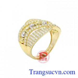 Nhẫn vàng 10k quý tộc được chế tác theo công nghệ Italy.
