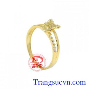 Nhẫn vàng hồ điệp