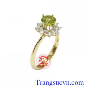 Nhẫn nữ Peridot bình an