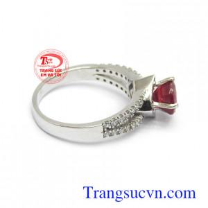 Nhẫn nữ Ruby được phái đẹp lựa chọn như lá bùa hộ mệnh cho bản thân