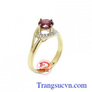 Nhẫn nữ Granat an nhiên