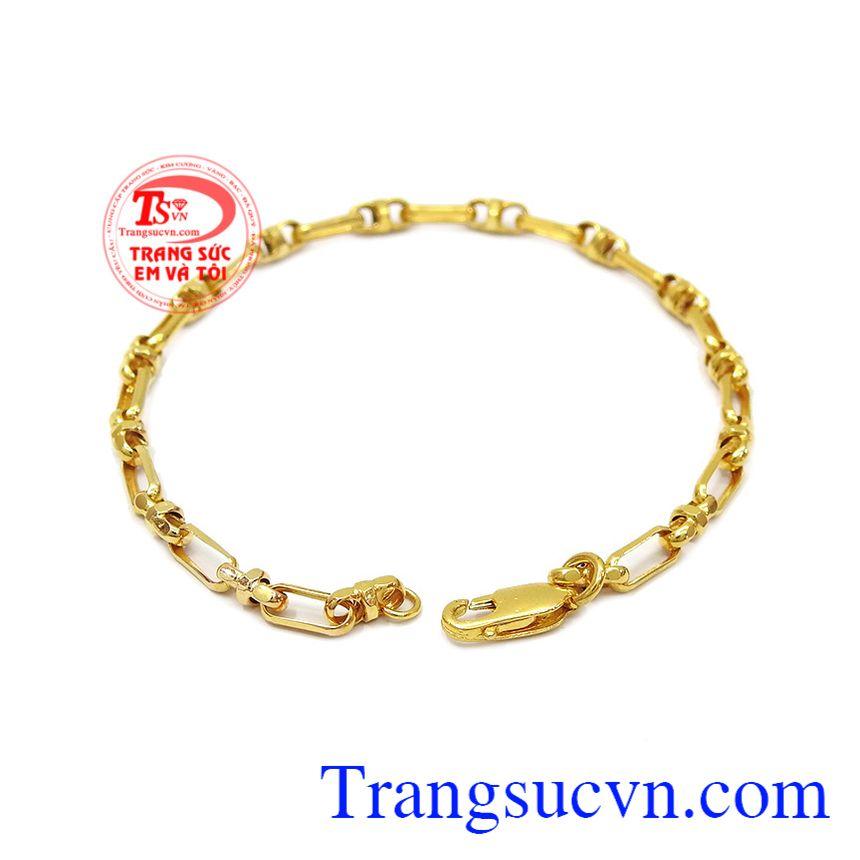 Lắc tay nam thời trang được chế tác từ vàng tây 10k bền đẹp, sáng bóng.