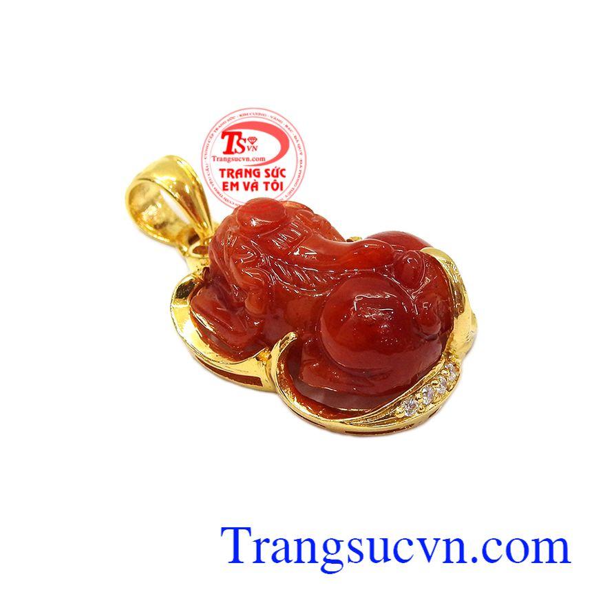 Với sự kết hợp từ ngọc cẩm thạch và vàng tây 14k mang đến cho khách hàng sản phẩm độc đáo, hợp thời trang, bền đẹp,Mặt dây tỳ hưu vàng 14k đẹp