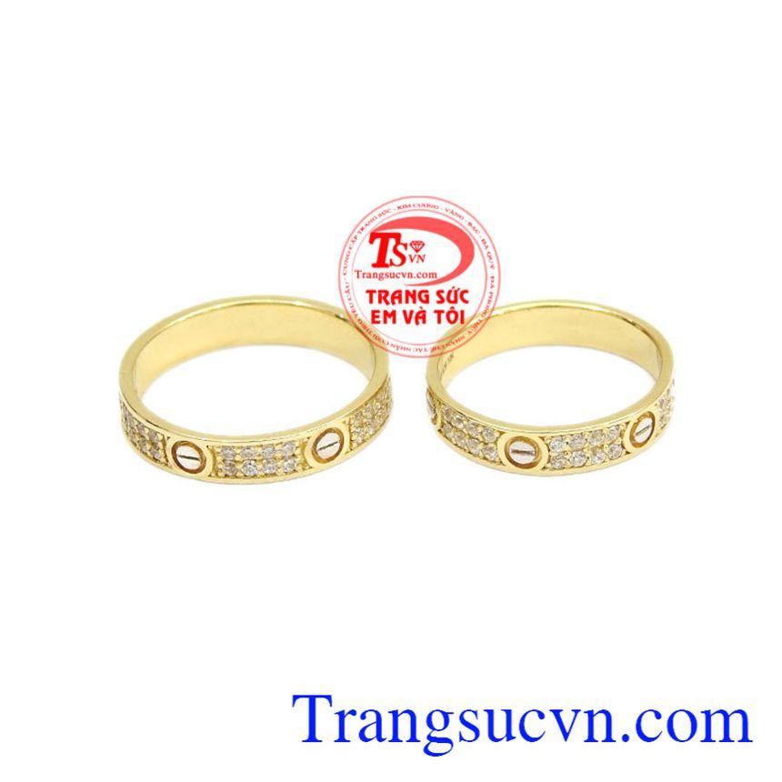 Nhẫn cưới là vật linh thiêng, là minh chứng cho tình yêu đôi lứa, là sự gắn kết dài lâu