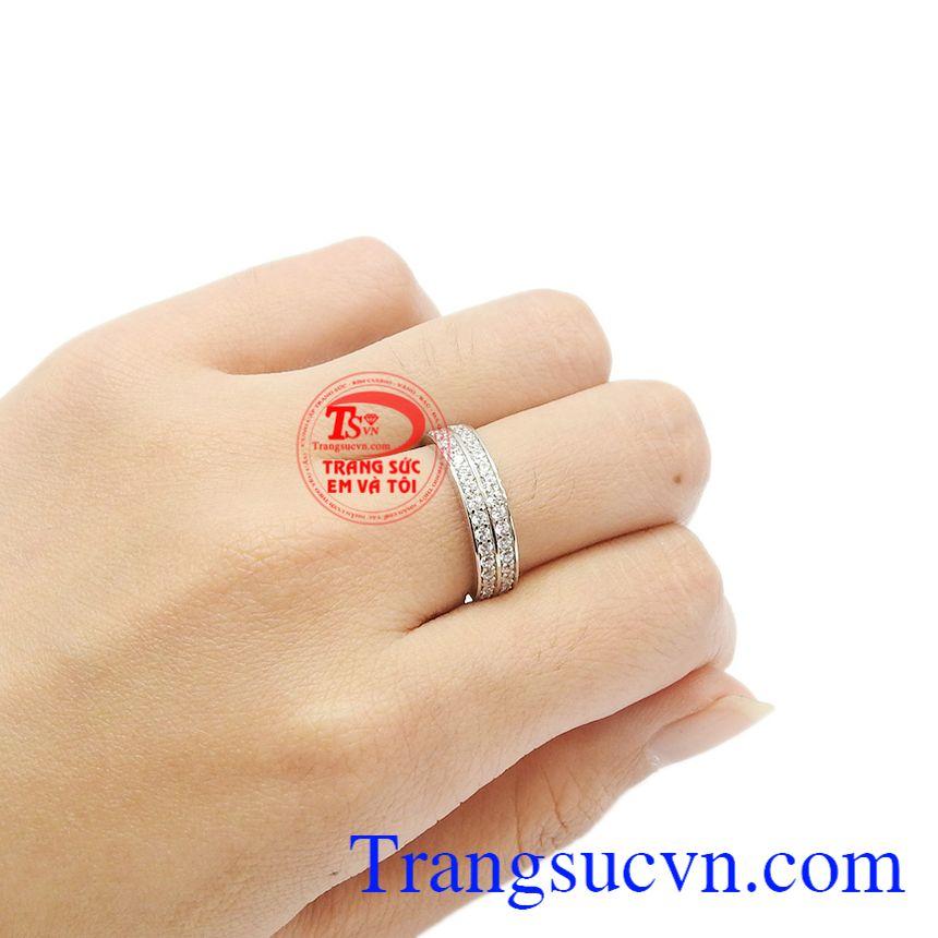 Chiếc nhẫn thích hợp để làm quà tặng cho người thân của bạn trong những dịp đặc biệt.