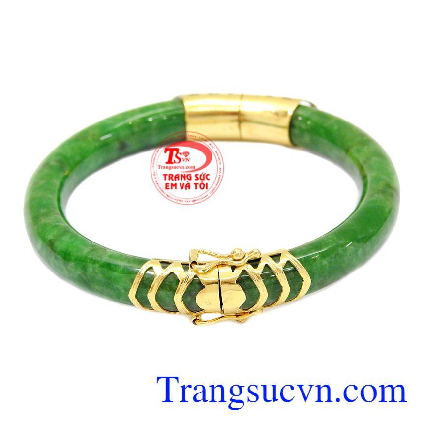 Vòng ngọc cẩm thạch bọc vàng 14k tôn lên vẻ quý phái, sang trọng cho phái nữ.