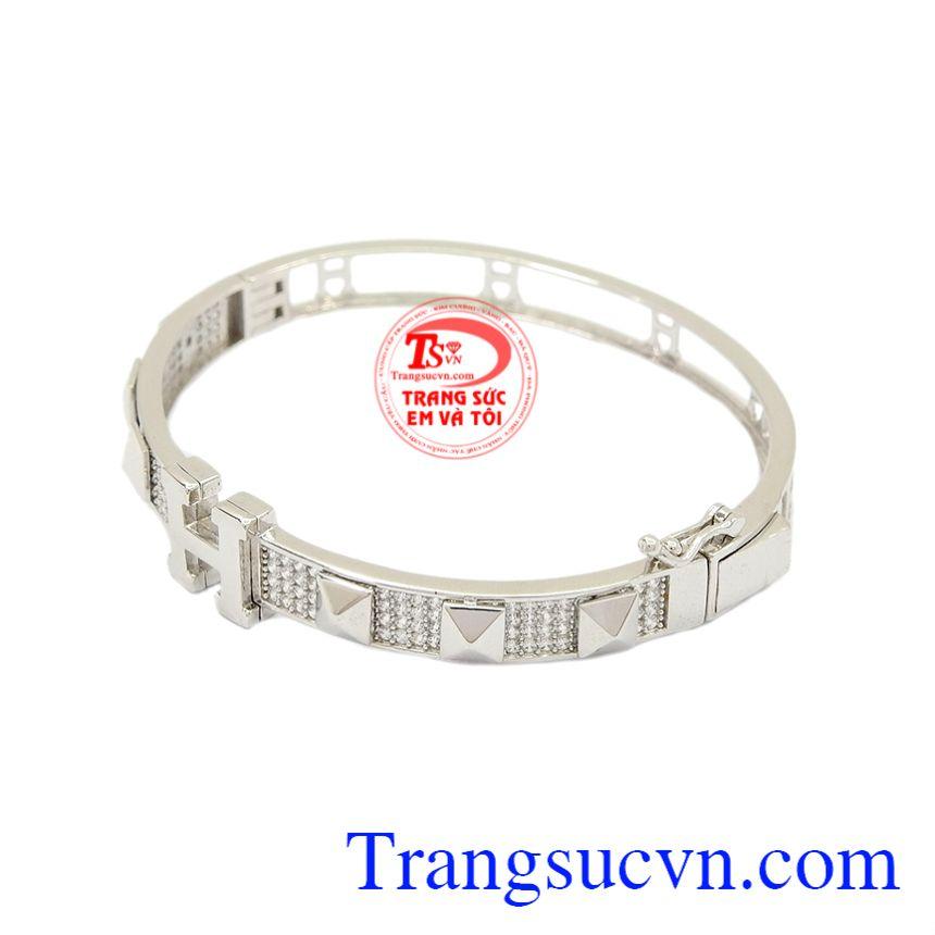 Vòng tay vàng trắng Korea mang lại sự nhẹ nhàng, quý phái cho người đeo.