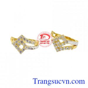 Hoa tai vàng 10k chất lượng mang phong cách trẻ trung và nữ tính
