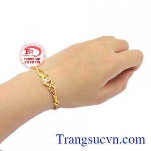 Lắc tay Chanel vàng 10k, bảo hành 6 tháng.