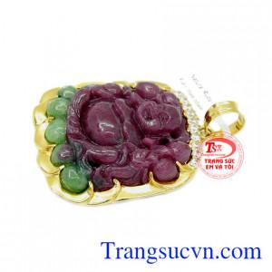 Đá Ruby là loại đá có giá trị đứng thứ 2 sau kim cương trong các loại đá quý.
