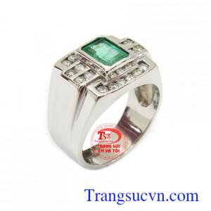 Nhẫn emerald vàng trắng và kim cương