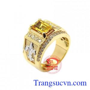 Nhẫn nam Sapphire tài lộcmang vẻ đẹp tinh tế, thiết kế tinh xảo, chế tác từ vàng 14k công nghệ cao cấp