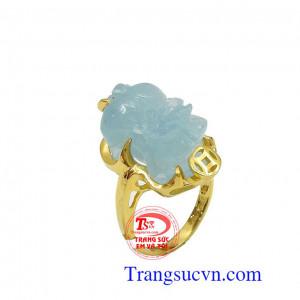 Nhẫn nữ tỳ hưu ngậm tiền aquamarine