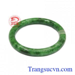 Vòng jadeite sang trọng