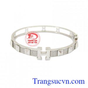 Vòng tay vàng trắng Korea là sản phẩm được chế tác từ vàng 10k được nhập từ Korea.