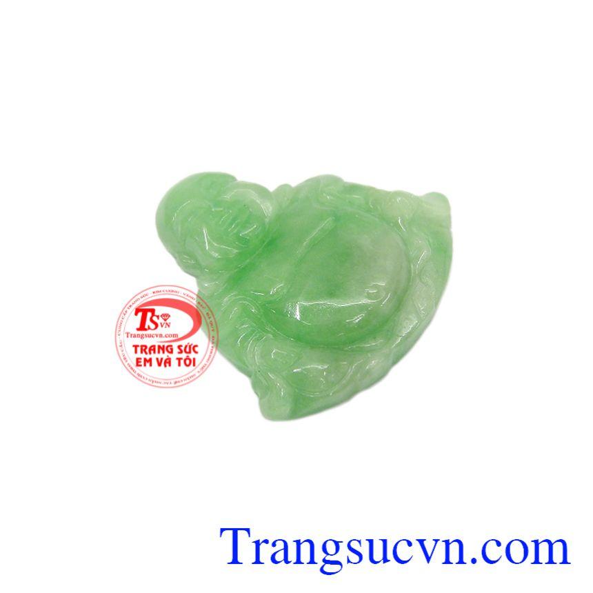 Ngọc cẩm thạch là những vật tinh túy và quý báu nhất của trời và đất, mang lại vận khí, tốt cho sức khỏe.