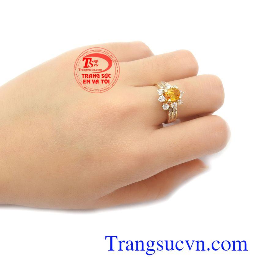 Nhẫn nữ Sapphire may mắn vàng 14k là món quà ý nghĩa cho người yêu thương