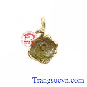 Mặt dây hoa hồng tourmalin