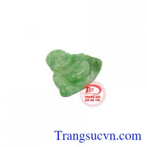 Ngọc cẩm thạch xanh làm tăng khả năng tập trung và ngăn chăn sự phân tâm.