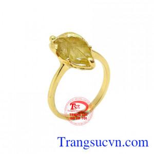 Nhẫn chiếc lá tinh tế tourmalin