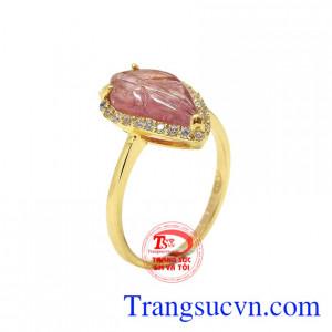 Nhẫn chiếc lá tourmalin xinh xắn
