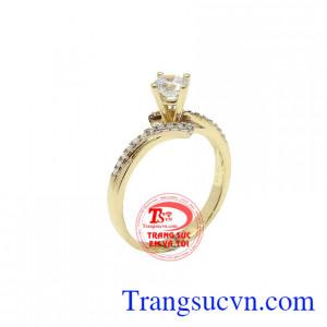 Nhẫn nữ đính đá nhỏ xinh