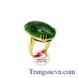 Nhẫn nữ ngọc cẩm thạch bọc vàng
