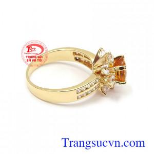 Nhẫn nữ Sapphire được phái đẹp lựa chọn như lá bùa hộ mệnh cho bản thân Nhẫn nữ Sapphire may mắn vàng 14k