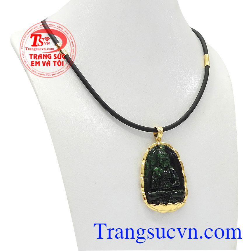 Bộ trang sức phật jadeite tuổi tuất-tuổi hợi được chế tác từ ngọc cẩm thạch thiên nhiên và vàng tây.