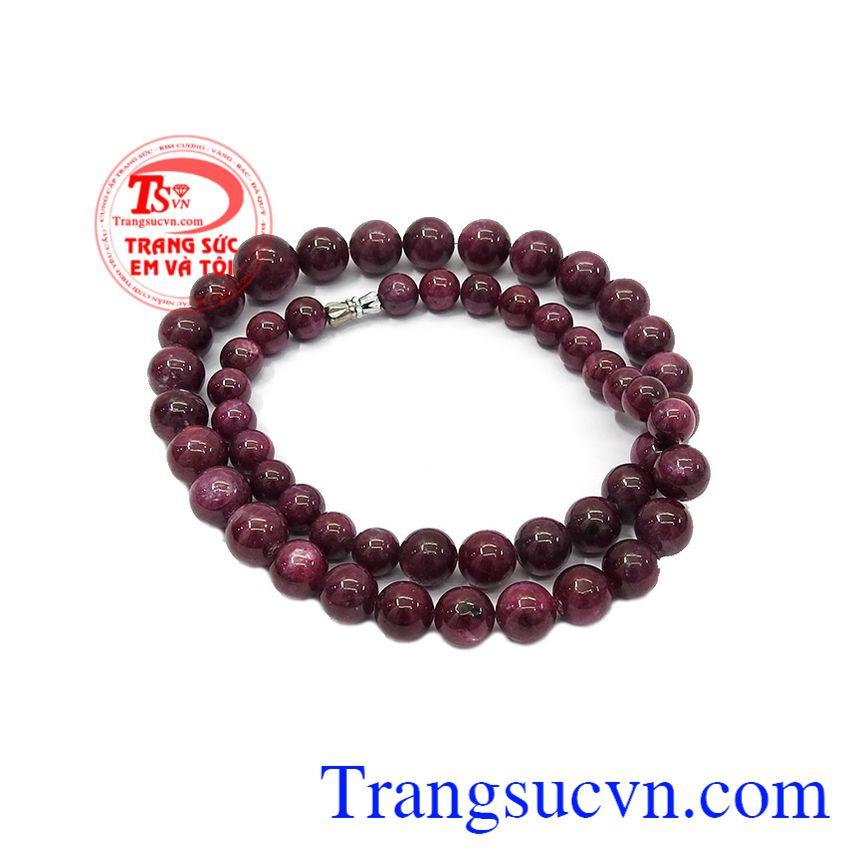 Theo quan niệm phong thủy, đá Ruby được coi là lá bùa hộ mệnh của chủ sở hữu,Chuỗi cổ Ruby thiên nhiên