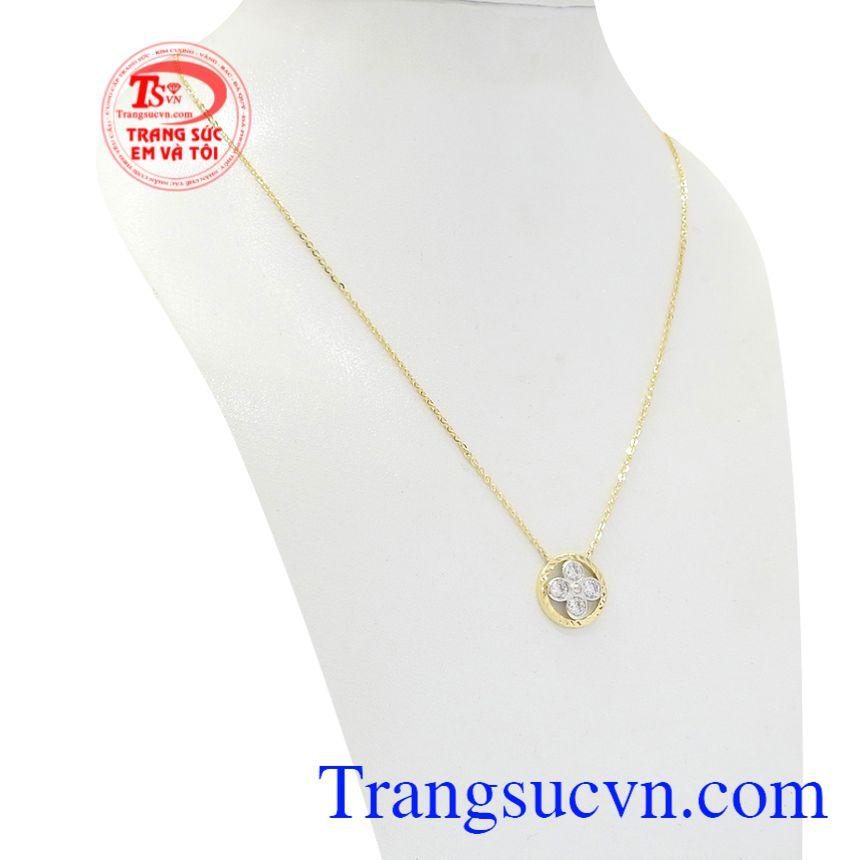 Dây chuyền nữ hoa vàng 10k Korea xinh xắn tôn lên vẻ dịu dàng, tinh tế của phái đẹp.