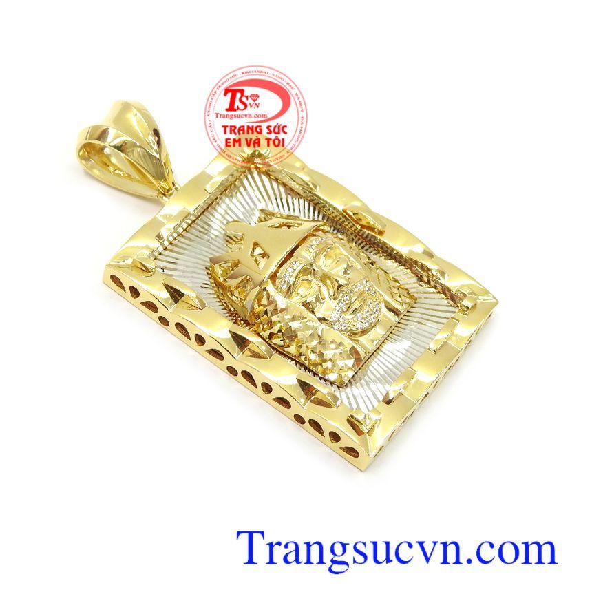 Mặt nam vàng 10k đẳng cấp phù hợp nhiều loại dây chuyền khác nhau, tôn lên sự cá tính, mạnh mẽ và thời trang cho phái mạnh