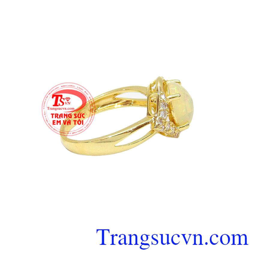 Nhẫn Nữ Opal May Mắn được chế tác từ vàng 14k, bảo hành 12 tháng, giao hàng nhanh trên toàn quốc