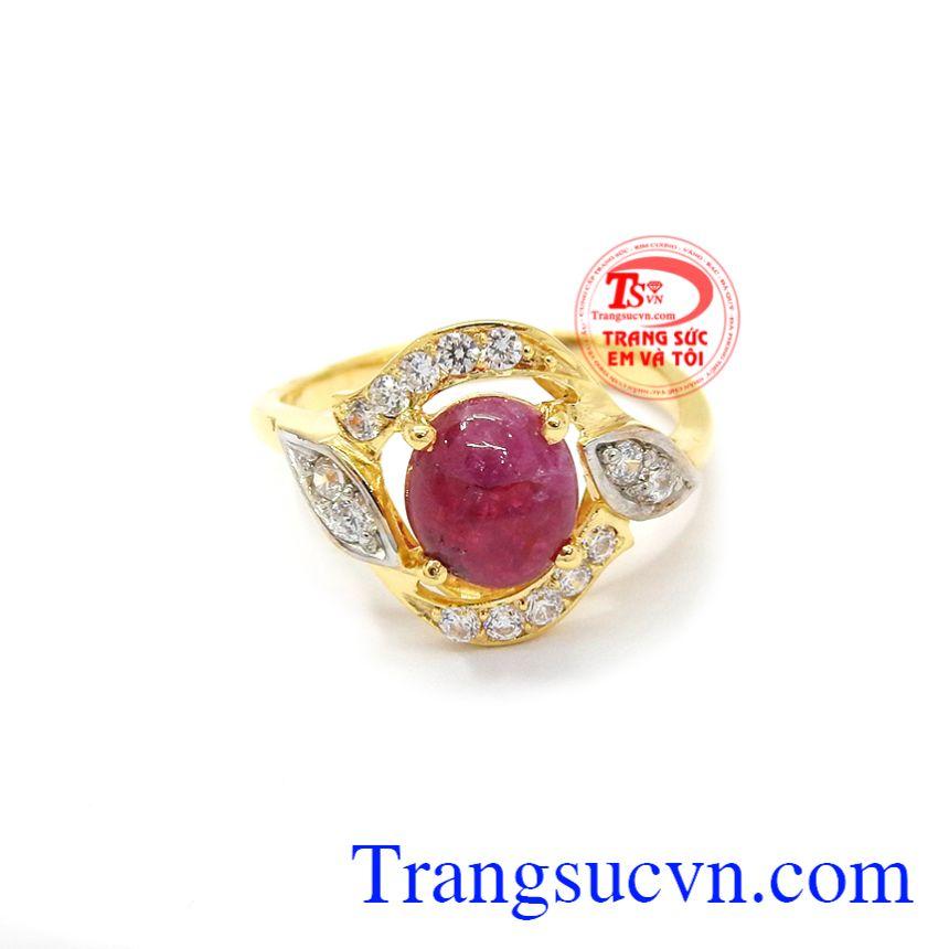 Nhẫn nữ Ruby quý phái được chế tác từ đá Ruby thiên nhiên và vàng 14k.