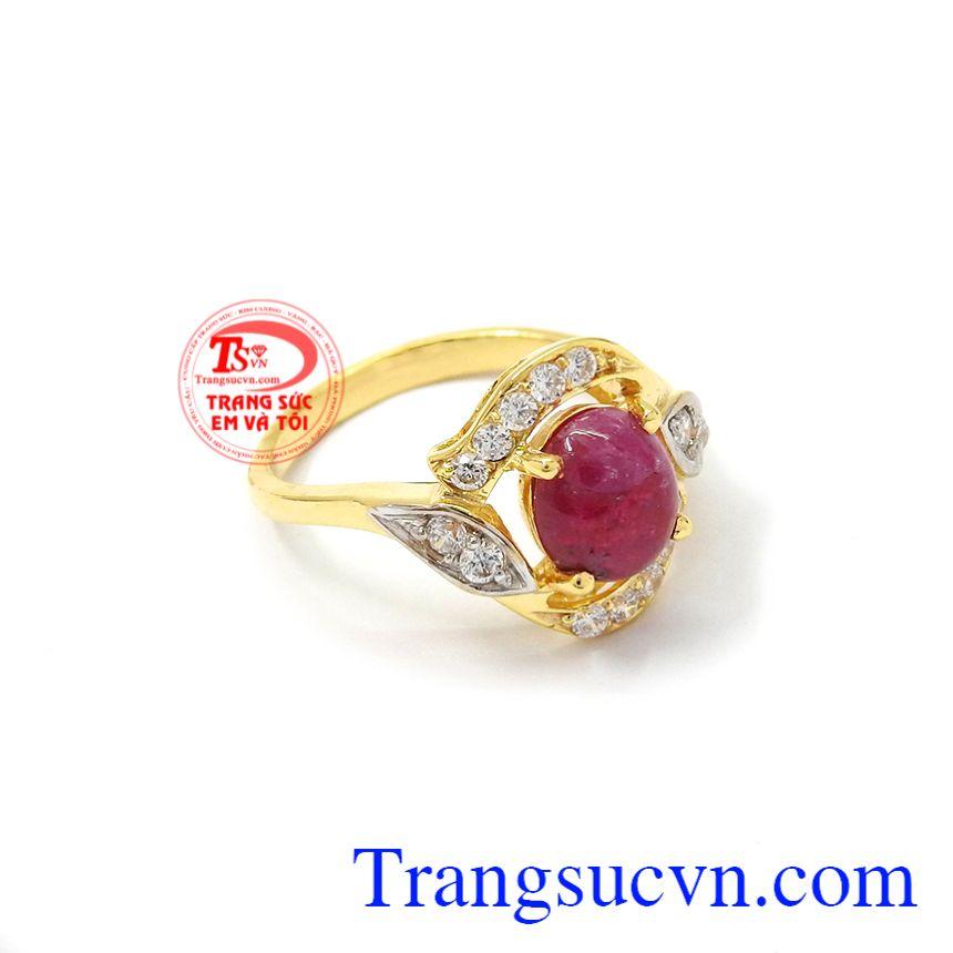 Nhẫn nữ Ruby quý phái mang lại vẻ đẹp quý phái, hiện đại cho phái đẹp.