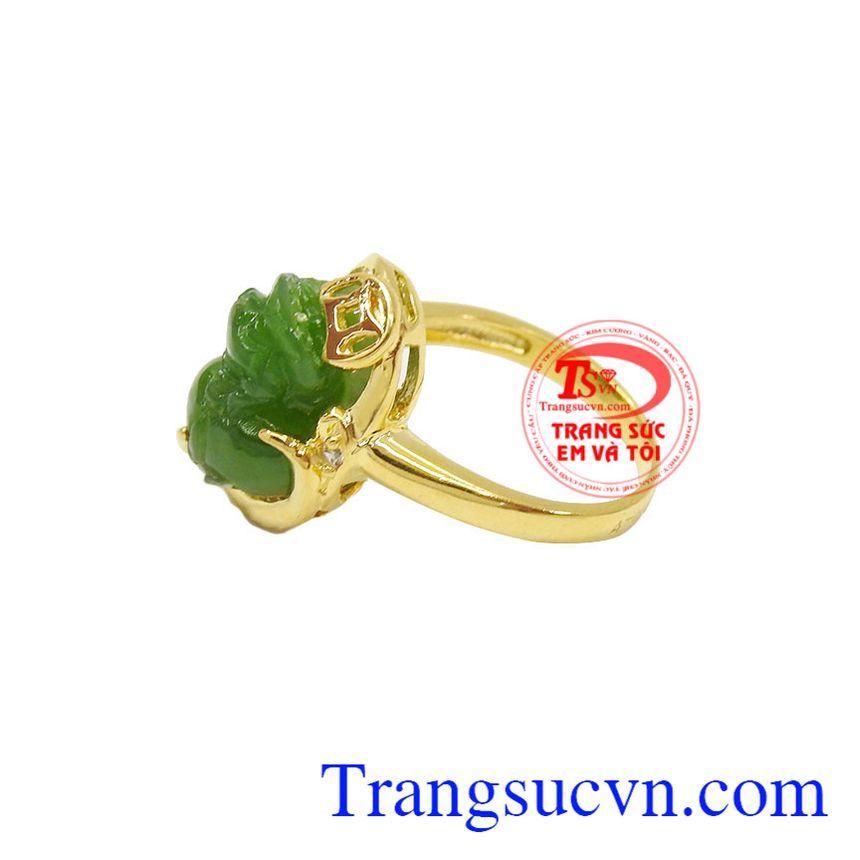 Nhẫn vàng màu tinh tế gắn tỳ hưu đá, mang lại may mắn và hộ mệnh, Nhẫn nữ vàng tây dành cho phái đẹp