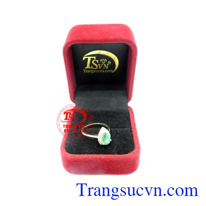 Nhẫn vàng Emerald thiên nhiên