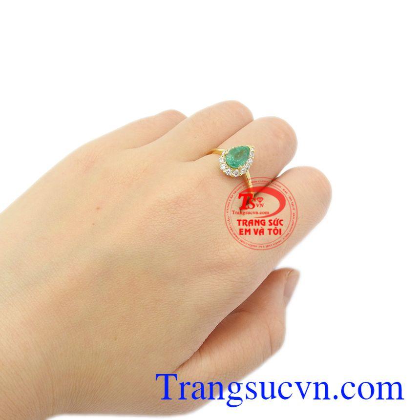 Nhẫn vàng Emerald thiên nhiên vàng 14k.