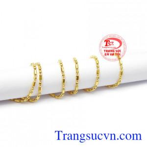 Sản phẩm có thể kết hợp cùng mặt dây vàng hoặc mặt dây gắn đá để tạo thêm điểm nhấn. Dây chuyền nữ lấp lánh