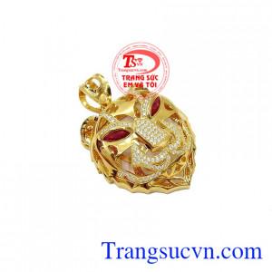 Với thiết kế mặt hổ là biểu tượng cho sự thông minh, nhanh trí và mạnh mẽ,Mặt dây nam hổ cá tính