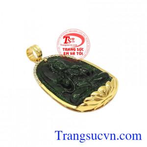Mặt phật jadeite tuổi mùi-tuổi thân được chế tác hợp phong thủy, mang lại sự may mắn và bình an cho người dùng.