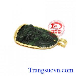 Sản phẩm kết hợp ngọc cẩm thạch thiên nhiên và vàng tây 14k bền đẹp. Mặt phật jadeite tuổi mùi-tuổi thân