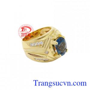 Nhẫn nam vàng Topaz thời trang có giấy kiểm định đá quý uy tín.