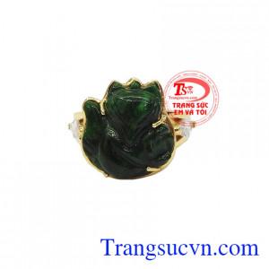 Ngọc cẩm thạch được tích tụ những tinh hoa quý báu nhất của trời đất, mang những sức mạnh của thiên nhiên