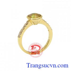 Nhẫn nữ Opal đẹp là món quà ý nghĩa dành tặng những người thân yêu