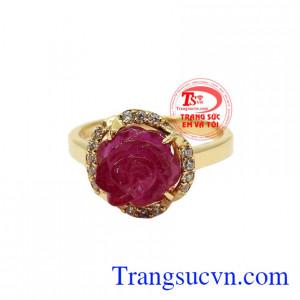 Đá ruby tượng trưng cho Mặt Trời, quyền lực, tự do, may mắn và vui vẻ